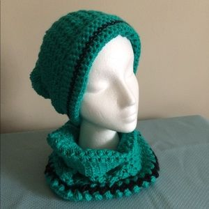 Accessories - SET HAT AND COLLAR KNITTED